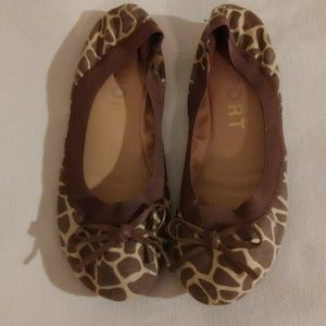 Report Leopard Print Cloth Flats Size 6